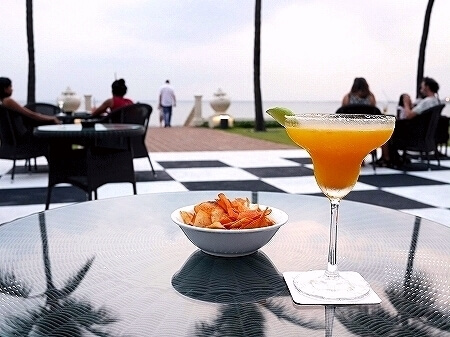 コロンボ ゴールフェイスホテル Galle Face Hotel colombo バー Chequerboard マンゴーマルガリータ mango margarita