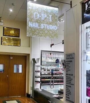 スリランカ コロンボ クレスキャットブールバード ショッピングモール Crescat Boulevard ネイルサロン OPI Nail Studio