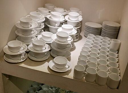 スリランカ コロンボ お土産屋 パラダイスロード Paradise Road 白い食器