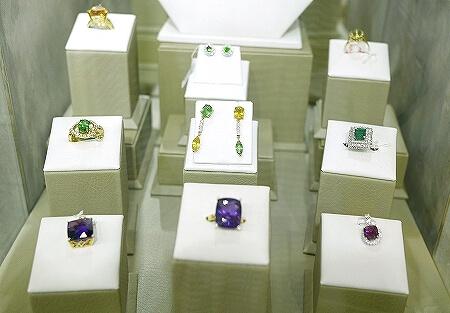 スリランカ コロンボ 宝石店 ピアス JEWEL ARENA ピアス 指輪