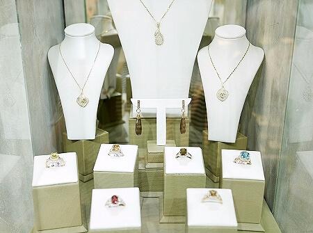 スリランカ コロンボ 宝石店 ピアス JEWEL ARENA ネックレス