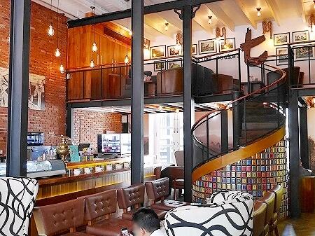 スリランカ コロンボ ダッチホスピタル ザ ティーラウンジ バイ ディルマ The t-Lounge on Chatham Street by Dilmah 店内