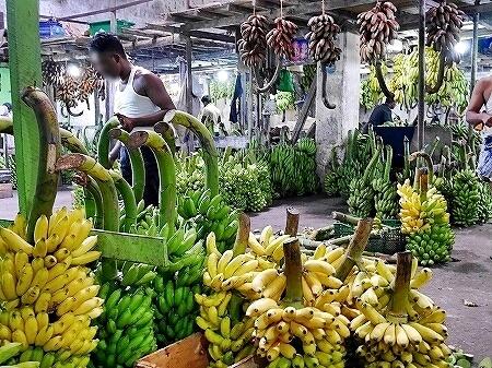 スリランカ コロンボ Manning Market マニングマーケット ペター市場 バナナ