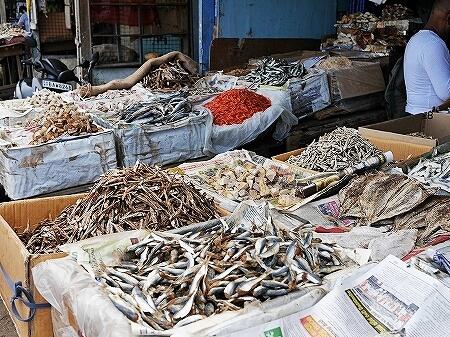 スリランカ コロンボ Manning Market マニングマーケット ペター市場 魚