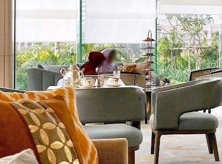 スリランカ コロンボ アフタヌーンティー ハイティー シャングリラホテル Shangri-La サファイヤラウンジ 7段