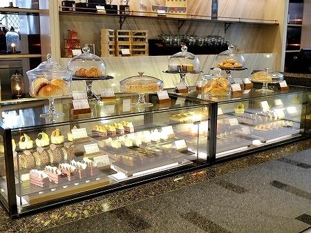 スリランカ コロンボ アフタヌーンティー ハイティー シャングリラホテル Shangri-La サファイヤラウンジ ケーキショップ