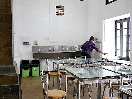 スリランカ コロンボ Curry Pot カリーポット ローカルレストラン 水道