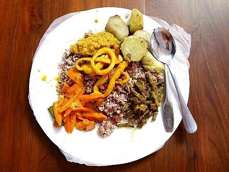 スリランカ コロンボ Curry Pot カリーポット ローカルレストラン イカカレー