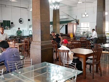 スリランカ コロンボ Curry Pot カリーポット ローカルレストラン 店内