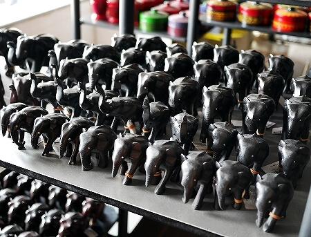 スリランカ コロンボ ラクサラ お土産屋 LAKSALA ゾウ 置物