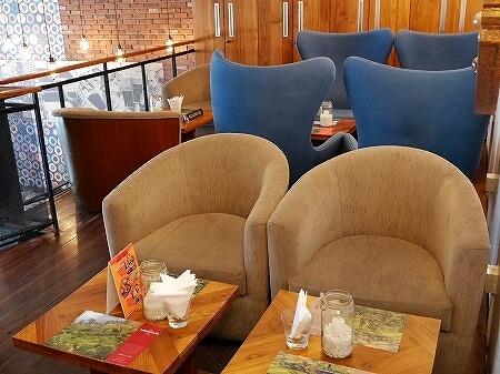 スリランカ コロンボ ダッチホスピタル ザ ティーラウンジ バイ ディルマ The t-Lounge on Chatham Street by Dilmah 店内 2階