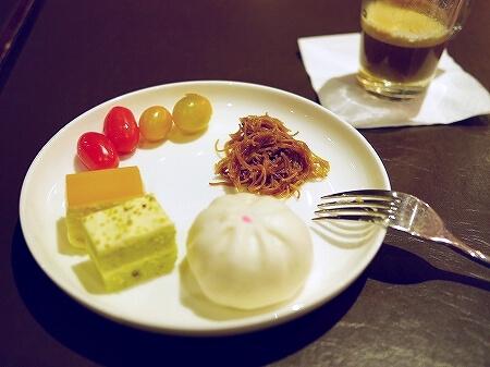 クアラルンプール空港 KLIA2 Wellness Spa プラザプレミアムラウンジ プライオリティパス 食べ物