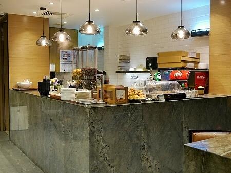 クアラルンプール空港 KLIA2 プラザプレミアムラウンジ Plaza Premium Lounge プライオリティパス ゲートL8 食べ物