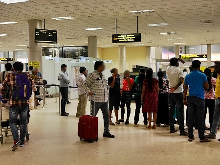 スリランカ コロンボ空港 お土産屋さん