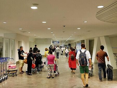 クアラルンプール空港(KLIA2)エアアジア 入国 乗り継ぎ