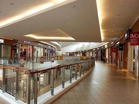 三井アウトレットパーク クアラルンプール国際空港 セパン KLIA2 行き方 お店 ショップ 2階