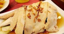 クアラルンプール空港KLIA2のおすすめグルメ「The Chicken Rice Shop」の海南チキンライス♪