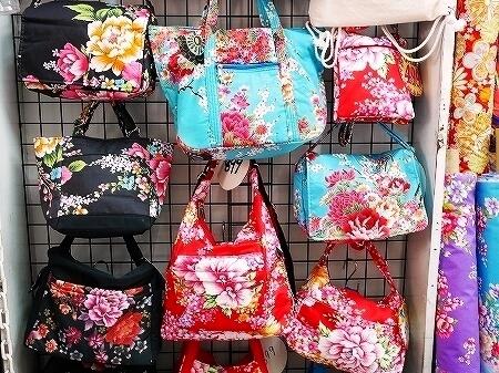 台湾 台北 星通有限公司 星通傢飾布 窗簾・傢飾布 迪化街 ディーホアジエ てきかがい 花布 バッグ 花柄