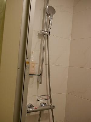 羽田空港 国際線ターミナル ザ ロイヤルパークホテル 東京羽田 リフレッシュルーム 宿泊 利用 室内 バスルーム シャワールーム