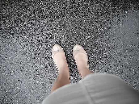 旅行 おすすめ 靴 フラットシューズ ブランコワール Balancoire リボンエナメルウエッジパンプス