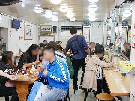 台湾 台北 天天利美食坊 西門 店内