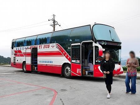 ベルトラ 夜の九份ツアー 台湾 九ふん オプショナルツアー 現地ツアー バス