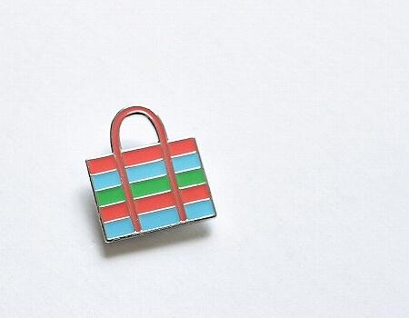 台湾 台北 おすすめ お土産屋さん 来好 LAI HAO Taiwan Gift Shop 雑貨屋 東門 網カゴバッグ ピン バッチ