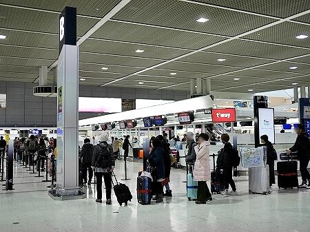 成田空港第2ターミナル ティーウェイ航空 チェックインカウンター