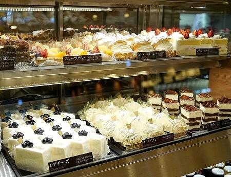 成田空港第2ターミナル カフェ エヌズコート N's COURT ケーキ チーズケーキ ショートケーキ タルト ティラミス