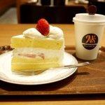 成田空港第2ターミナル カフェ エヌズコート N's COURT ケーキセット ショートケーキ