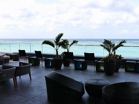 デュシタニ グアム リゾート ホテル Dusit Thani Guam resort hotel ロビーラウンジ Lobby Lounge テラス席