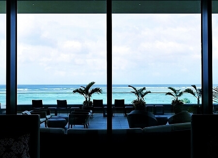 デュシタニ グアム リゾート ホテル Dusit Thani Guam resort hotel ロビーラウンジ Lobby Lounge