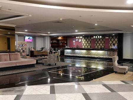 ロイヤルオーキッドグアムホテル Royal Orchid Guam Hotel 宿泊記 フロント