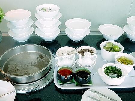 プライオリティパス ホーチミン空港 オーキッドラウンジ タンソンニャット国際空港 食べ物 フォー