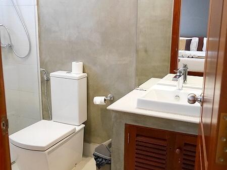 シャドーアンコールレジデンス シャドウアンコールレジデンス シャドー アンコール ホテル  Shadow Angkor Residence おすすめホテル カンボジア シェムリアップ 部屋 室内 バスルーム