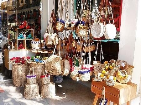 カンボジア シェムリアップ Graines de Cambodge グレインドゥカンボッジ お土産屋 ポンポン付きサンダル ポンポン付きバッグ