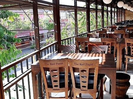 カンボジア シェムリアップ レッドピアノ おすすめレストラン アンジェリーナジョリー The Red Piano アンジー