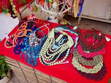 シェムリアップ カンボジア メイド・イン・カンボジア・マーケット お土産 Made in Cambodia Market ネックレス