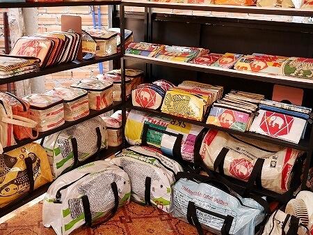 シェムリアップ カンボジア メイド・イン・カンボジア・マーケット お土産 Made in Cambodia Market バッグ
