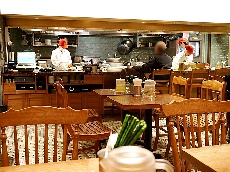 東京ミッドタウン日比谷 ベトナム料理 ベトナミーズ・シクロ 店内