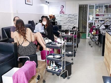 シェムリアップ ジェルネイル ネイルサロン Roxy Nail & Spa Siem Reap おすすめ カンダールヴィレッジ カンボジア 店内