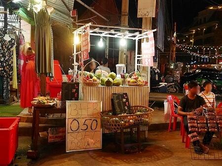 カンボジア シェムリアップ フルーツシェイク フルーツジュース パブストリート FRESH CORNER