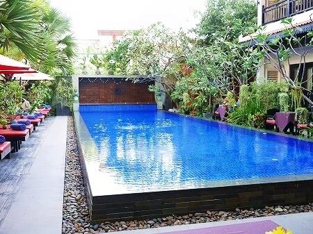 シェムリアップ クメール マンション ブティック ホテル Khmer Mansion Boutique Hotel カンボジア レストラン 朝食 プール