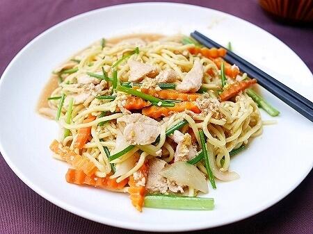 シェムリアップ クメール マンション ブティック ホテル Khmer Mansion Boutique Hotel カンボジア レストラン 朝食 焼きそば フライドヌードル