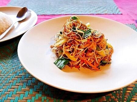 シェムリアップ Five Sons ソクサン通り レストラン カンボジア バナナフラワーサラダ