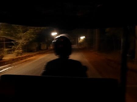 アンコールワット 朝日鑑賞 サンライズツアー 2月 カンボジア トゥクトゥク 日の出