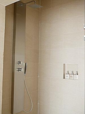 シェムリアップ アンコールランデブーヴィラ プライベートプール付き おすすめホテル Angkor Rendezvous Villa Private Pool Villa 部屋 シャワー