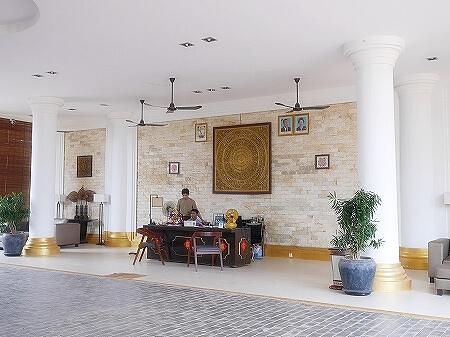シェムリアップ アンコールランデブーヴィラ プライベートプール付き おすすめホテル Angkor Rendezvous Villa Private Pool Villa フロント