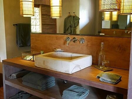 シェムリアップ プーム バイタン リゾート  Phum Baitang Resort ホテル 田園 宿泊記 部屋 テラスヴィラ バスルーム