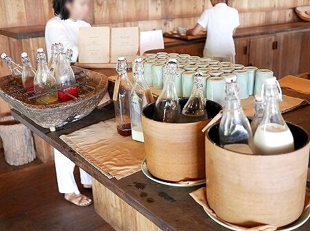 シェムリアップ プーム バイタン リゾート Phum Baitang Resort ホテル 田園 宿泊記 プール BAY PHSAR レストラン 食事 朝食 ジュース 牛乳